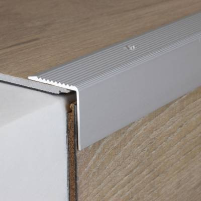 "Treppenkante ""Severina"" / Winkelprofil 30 mm x 30 mm Aluminium eloxiert"