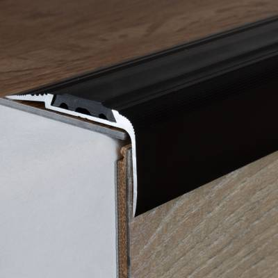 "Treppenkante ""Cresta"" / Kombiwinkel / Winkelprofil 27 mm x 58 mm Aluminium eloxiert"