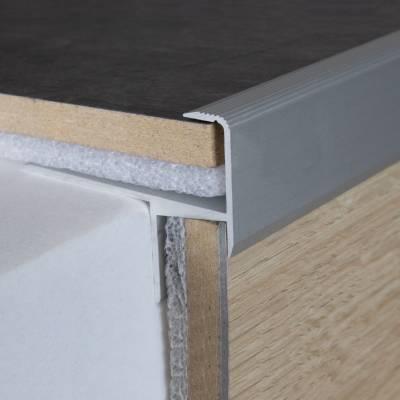"Parkett-Treppenkante ""Springhill"" / Winkelprofil, Einfasshöhe 15,3 mm, 33 mm breit, Alu eloxiert"
