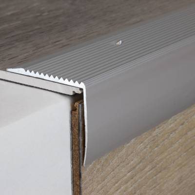 "Treppenkante ""Vena"" / Winkelprofil 42 mm x 50 mm Aluminium eloxiert"