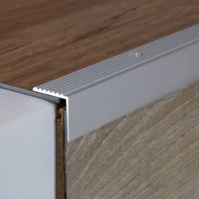 "Treppenkante ""Ricadi"" / Treppenkanten Profile / Winkelprofile 20 mm x 20 mm Aluminium eloxiert"
