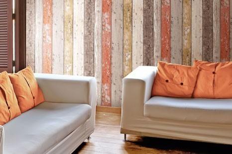 Holzoptik Tapete in bunten Farben